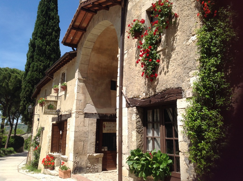 Italian cooking holidays Rome cooking classes Sabine hills